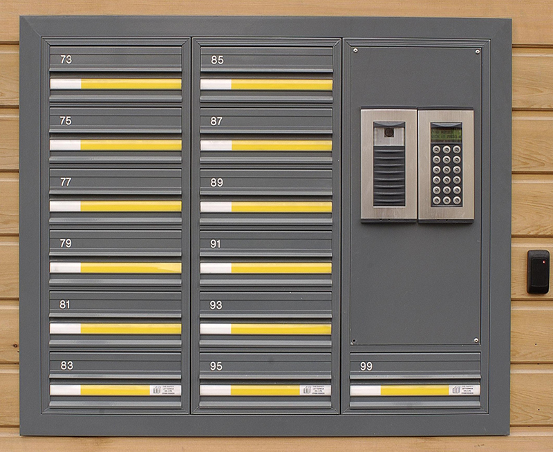 COM 3 Mailbox bank with Door Entry System