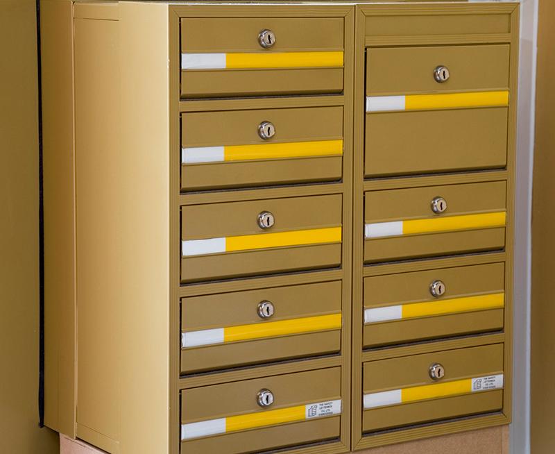 COM 3 Mailboxes