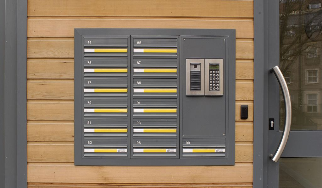 COM 3 Mailboxes with Door Entry System