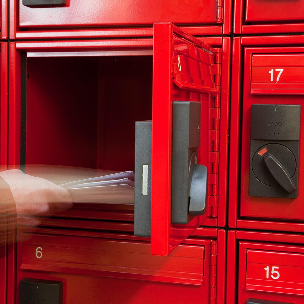 Electronic Mailbox Locking